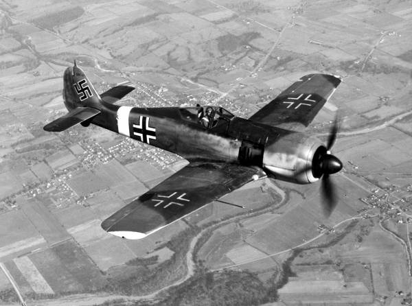 Focke-Wulf Fw 190 // Wikipedia Commons [Public Domain]