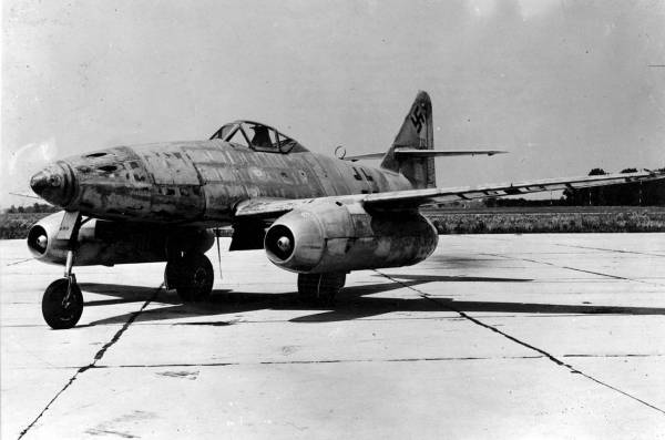 Messerschmitt Me 262 // Wikipedia Commons [Public Domain]