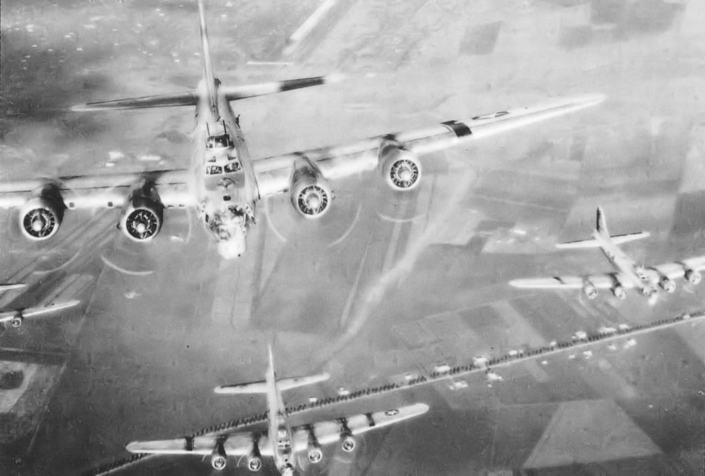 B-17 Flying Fortress // Wikipedia Commons [Public Domain]