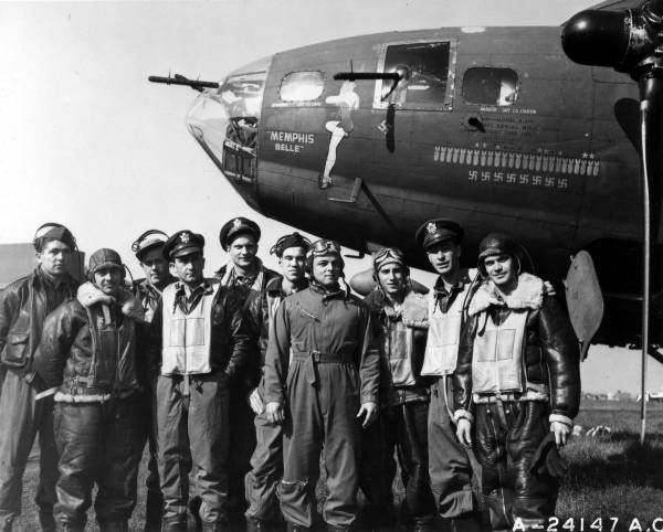 Memphis Belle Crew // Wikipedia Commons [Public Domain]