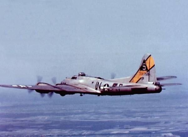 B-17 #43-38758 / Fast Company