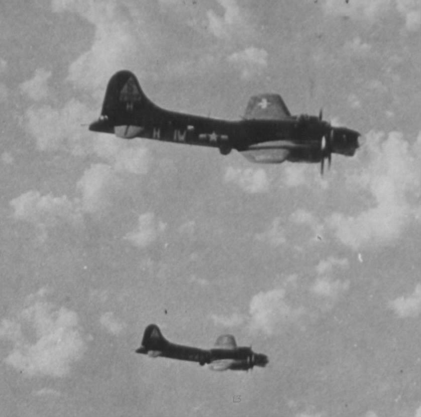 B-17 #42-31064 / Hey Lou