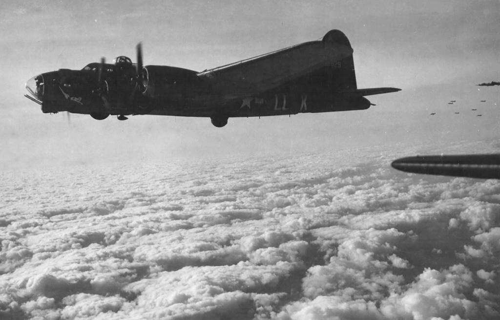 B-17 #42-39929 / Lackin Shankin