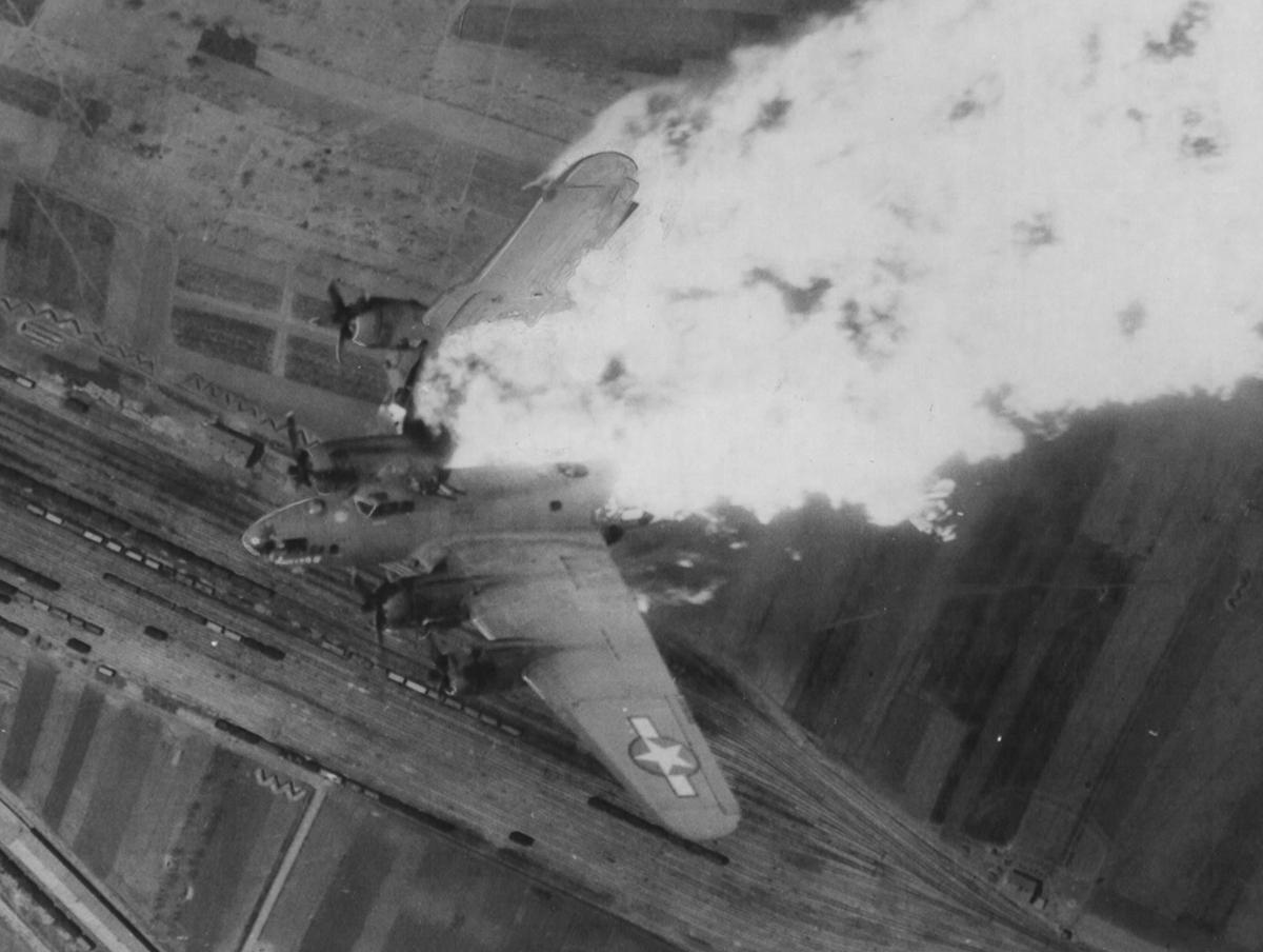 B-17 #42-5786 / Whizzer II