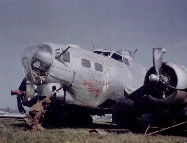 B-17 #42-97880 / Little Miss Mischief