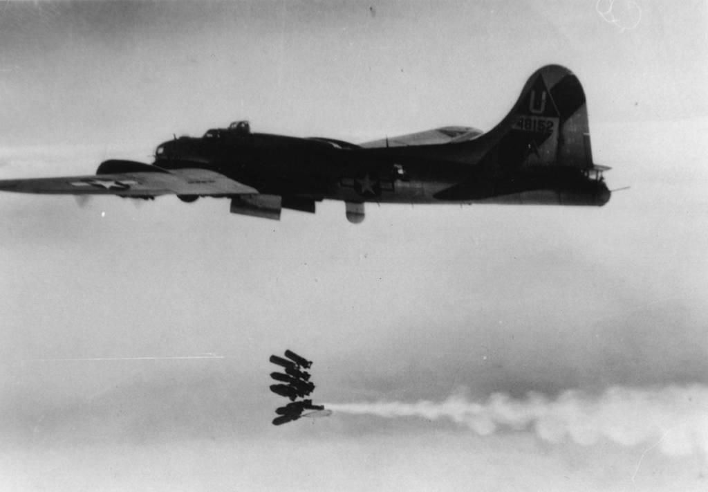 B-17 #44-8152 / Miss Ida