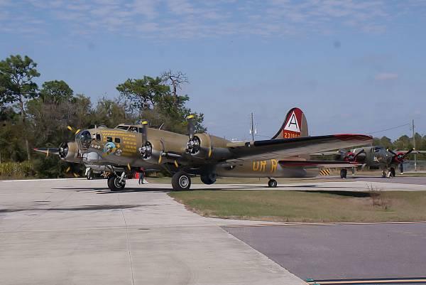 B-17 #44-83575 / Nine-O-Nine