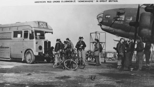 B-17 #41-9020 / Phyllis aka Tugboat Annie