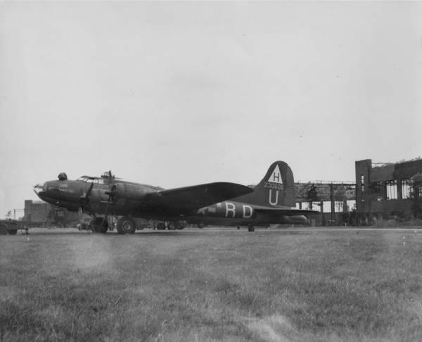 B-17 #42-30606 / El Diablo