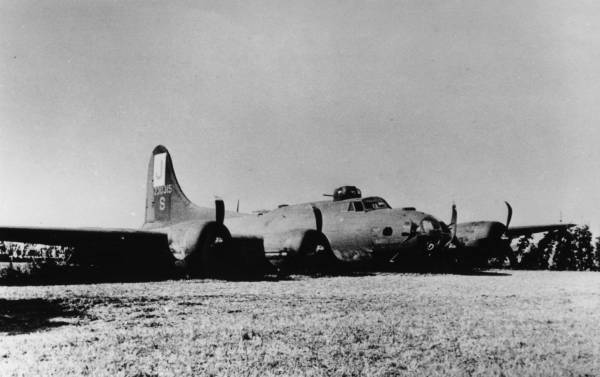 B-17 #42-30315 / Battle Queen aka Peg of My Heart