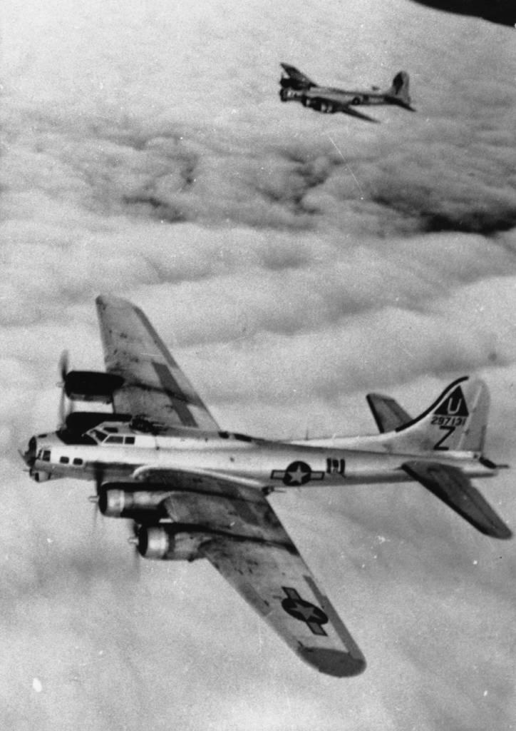 B-17 #42-97131 / Home James
