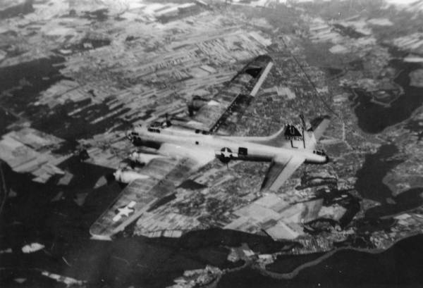 B-17 #43-37828 / Georgia Peach