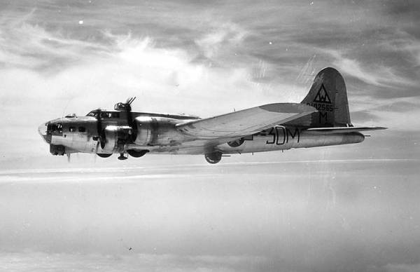 B-17 #42-102565 / The Ugly Duckling
