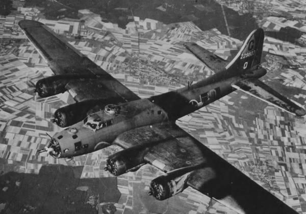 B-17 #42-29803 / Flat Foot Floogie