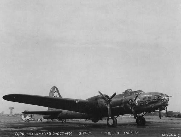 B-17 #41-24577 / Hell's Angels