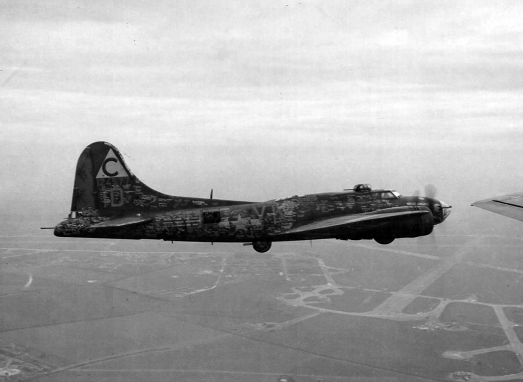 B-17 41-24577 Hell's Angels