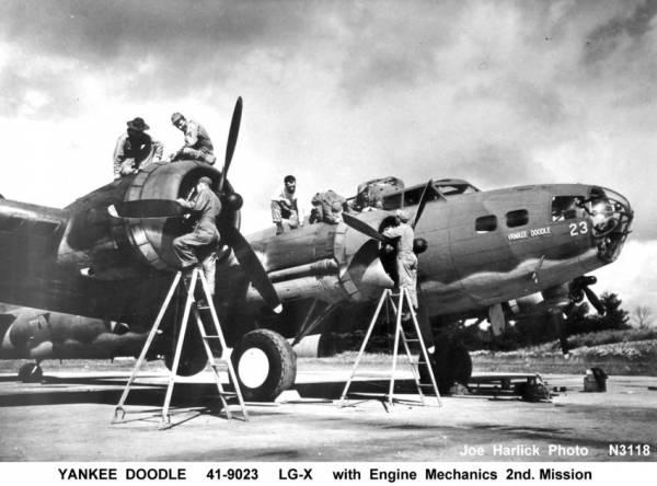 B-17 #41-9023 / Yankee Doodle