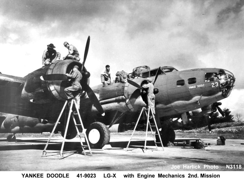 B-17 41-9023