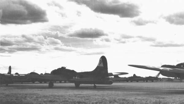 B-17 #42-29956 / Vertical Shaft