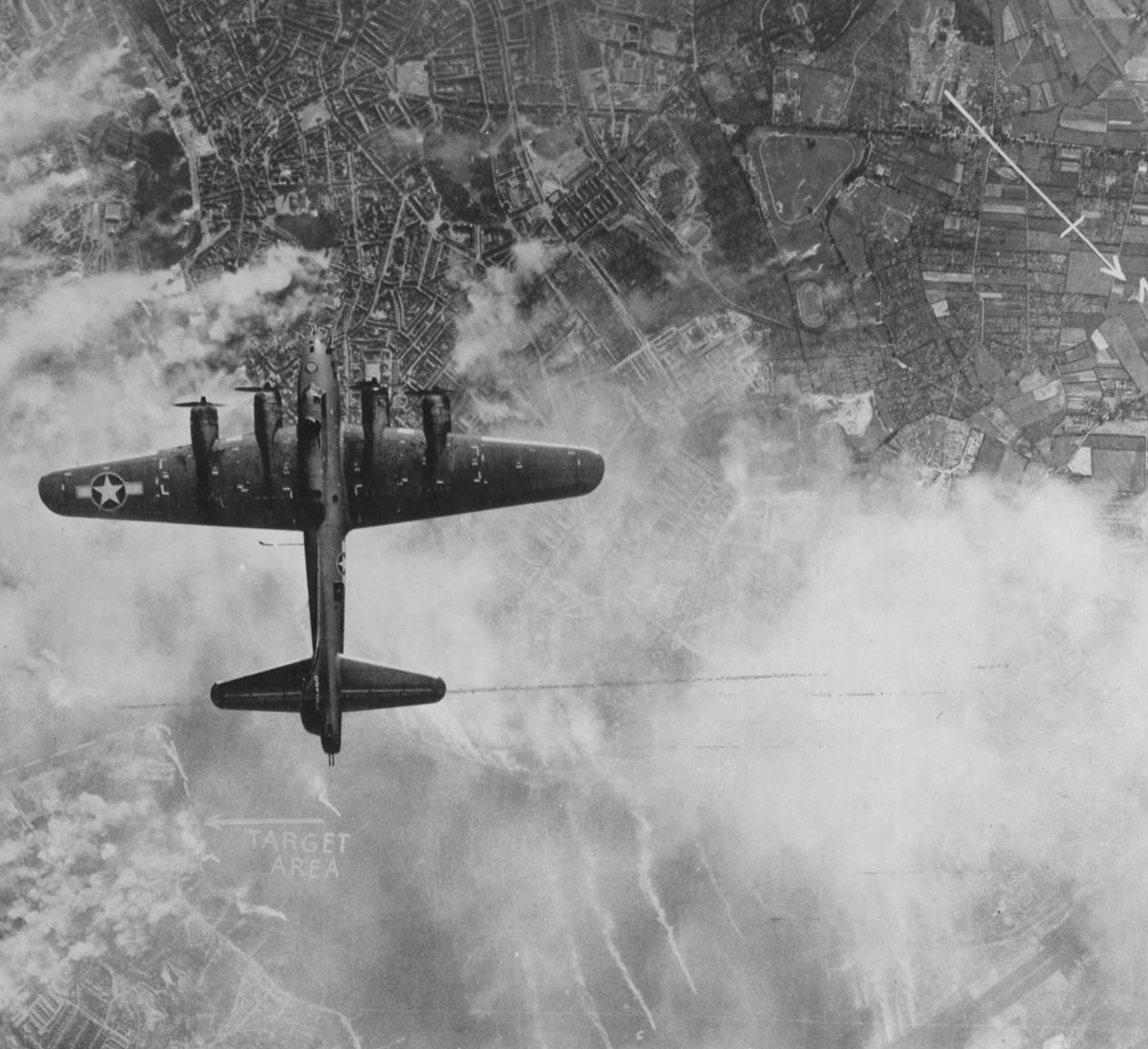 B-17 #42-30450 / Ramsbitch
