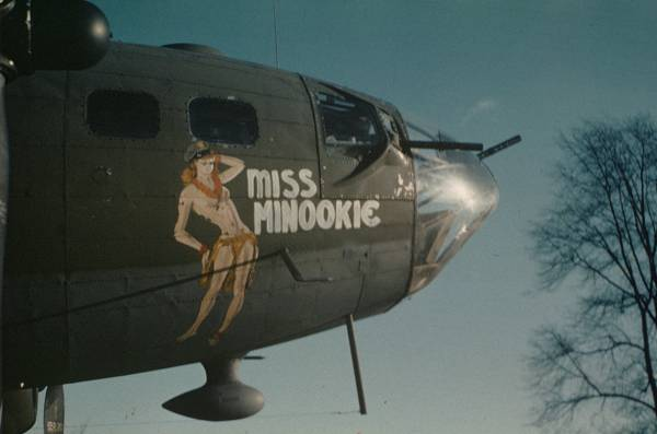 B-17 #42-30712 / Miss Minookie