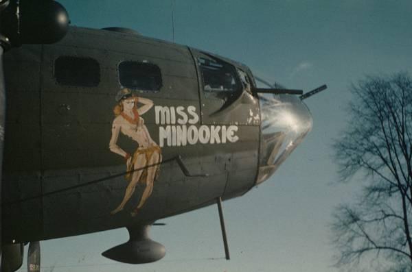 B-17 #42-30712 / Miss Minookie