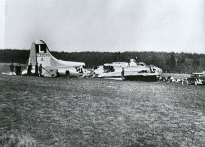 B-17 #42-32070 / Lonesome Polcat