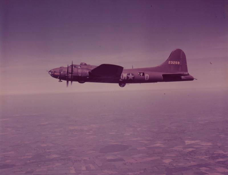 B-17 #42-3259 / Snafu aka Alamaba Whirlwind