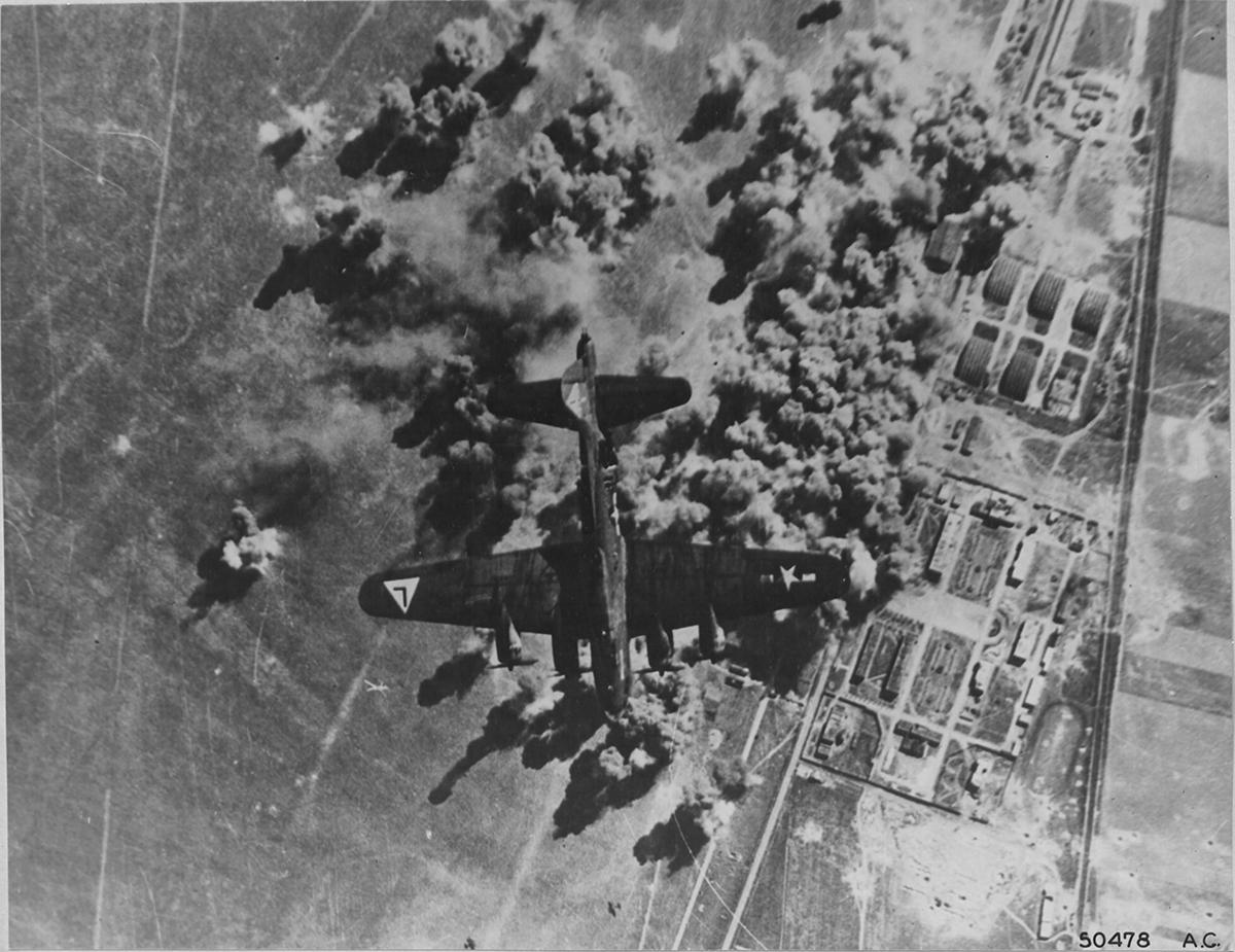 B-17 #42-37754 / Who Dat – The Dingbat?