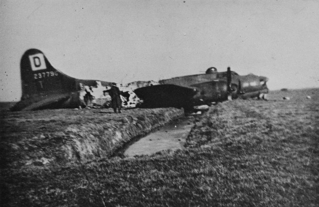 B-17 #42-37796 / Fletcher's Castoria III