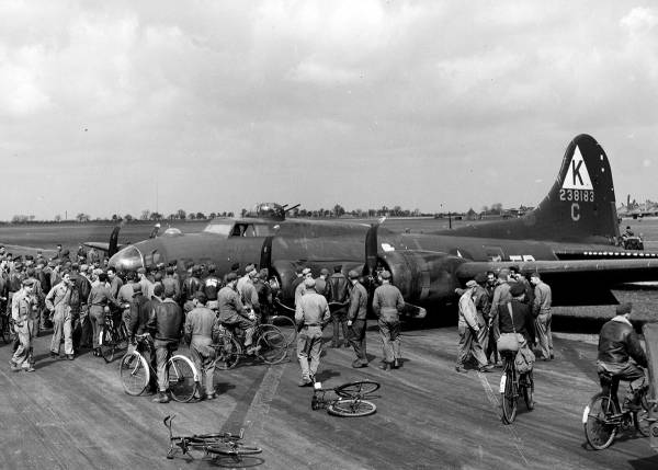 B-17 #42-38183 / The Lost Angel