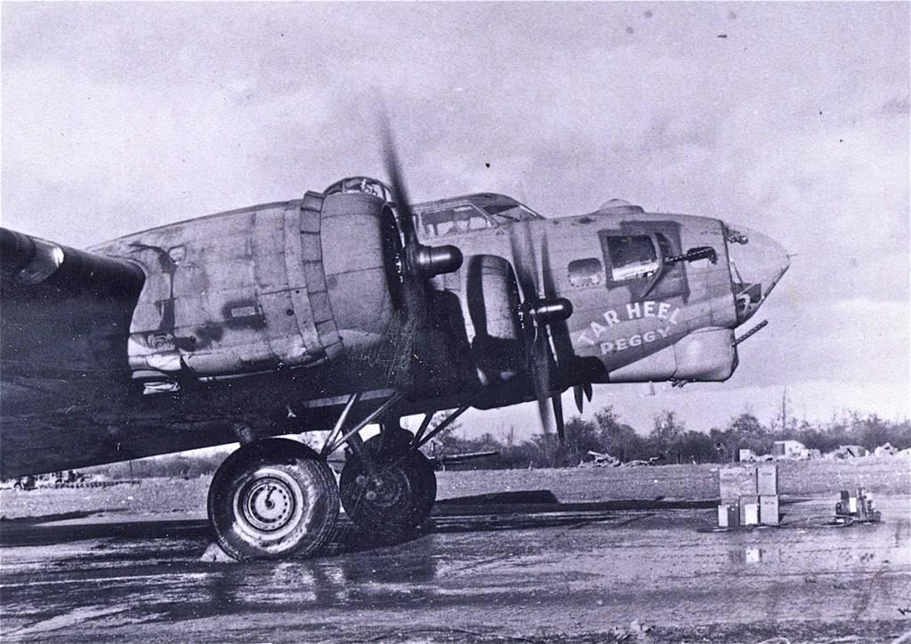 B-17 #42-39776 / Tar Heel Peggy