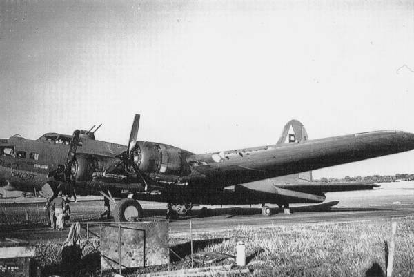 B-17 #42-5843 / Black Ghost