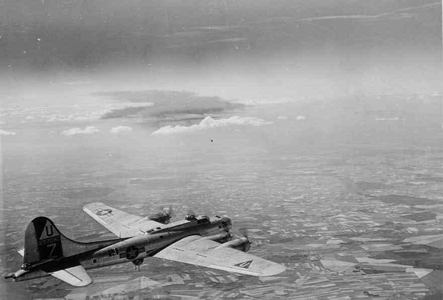 B-17 #42-97060 / Calamity Jane II
