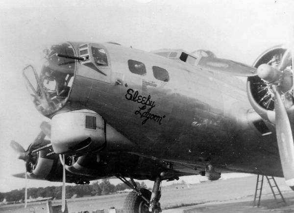 B-17 #44-6105 / Sleepy Lagoon