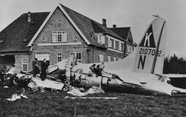 B-17 #42-107082 / Lassie-Come-Home