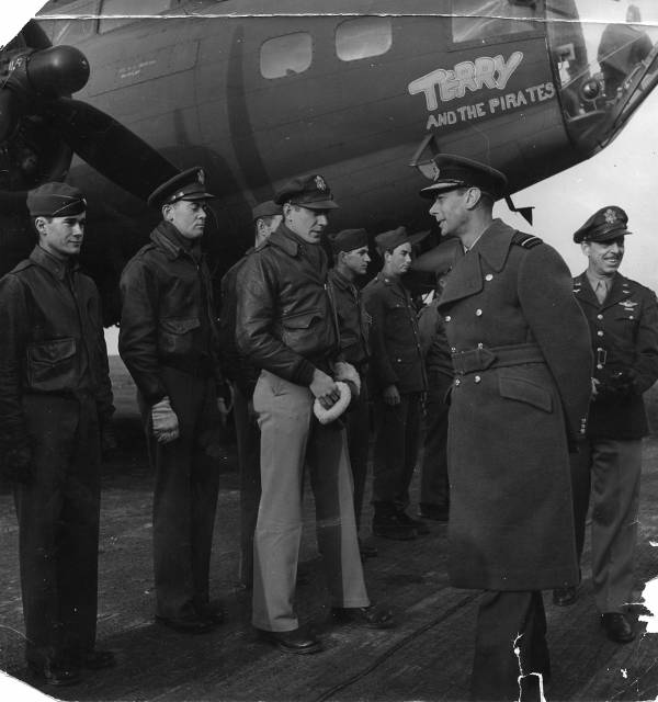 B-17 #41-24489 / Terry and the Pirates