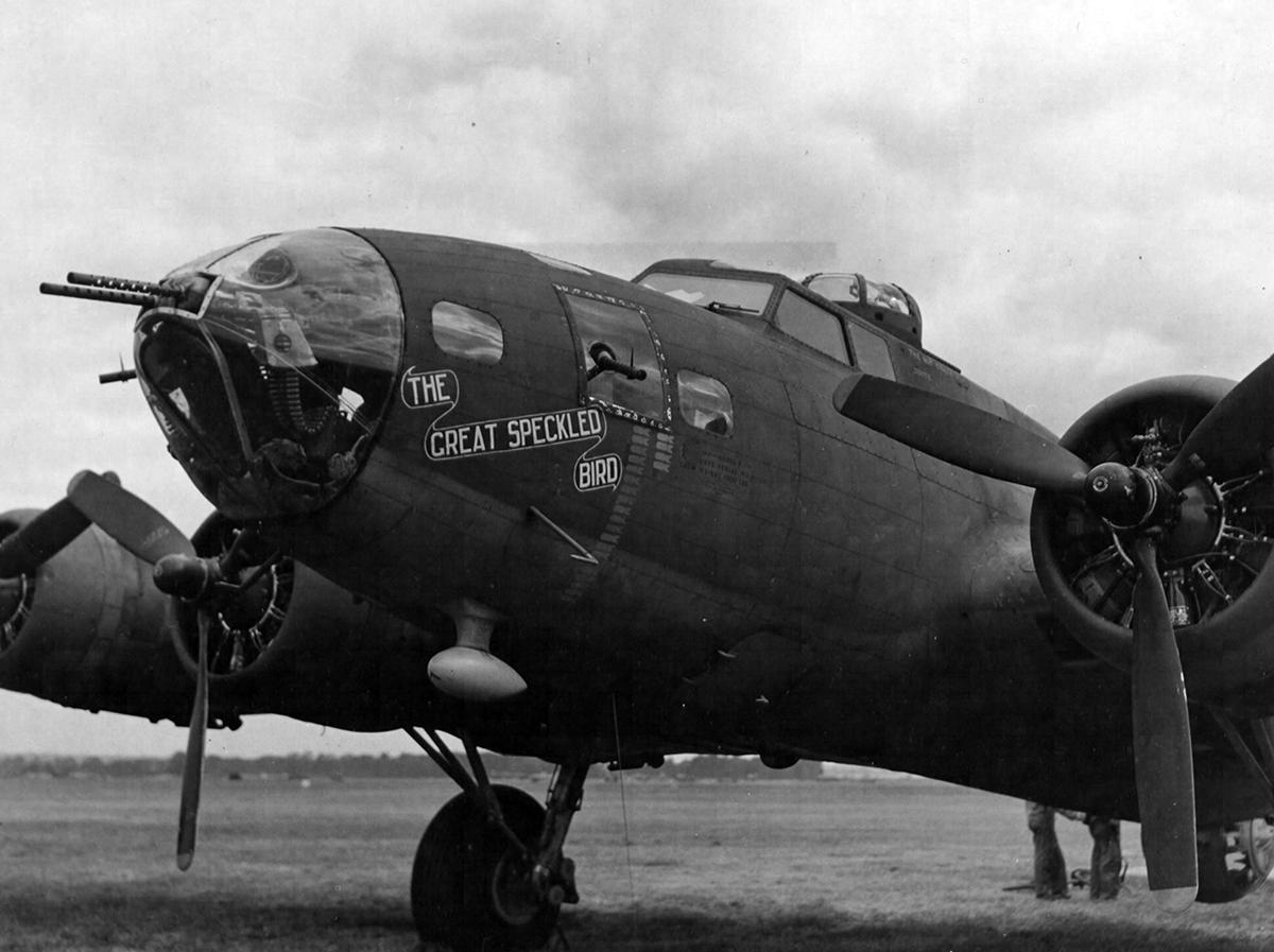B-17 #41-24527 / The Sky Wolf aka Great Speckled Bird