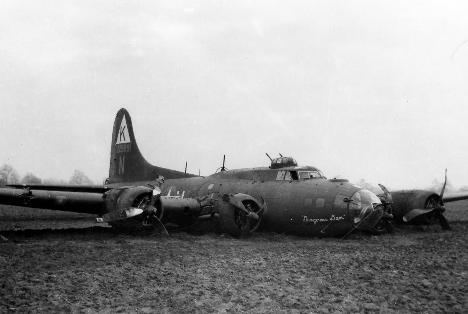 B-17 #42-29891 / Dangerous Dan