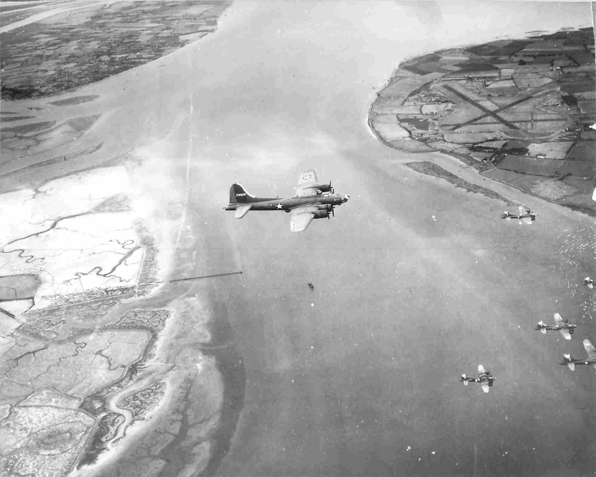 B-17 #42-30215 / Gremlin Gus aka Slightly Dangerous II