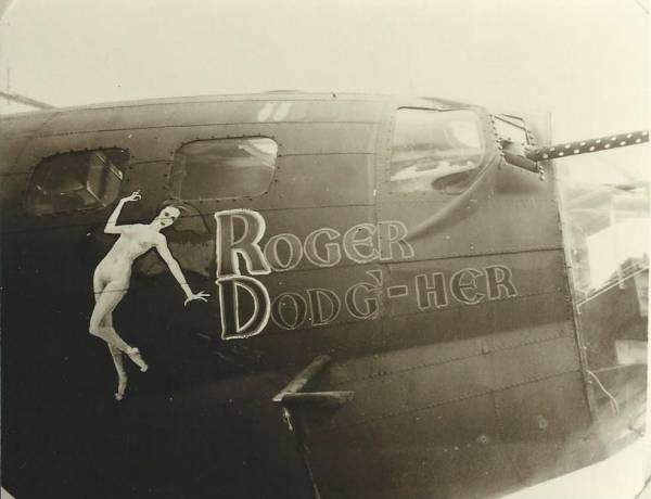 B-17 #42-30425 / Roger Dodg'-Her