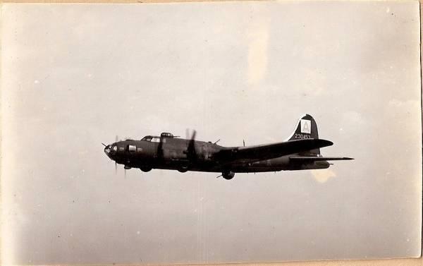 B-17 #42-30453 / Thunderbird