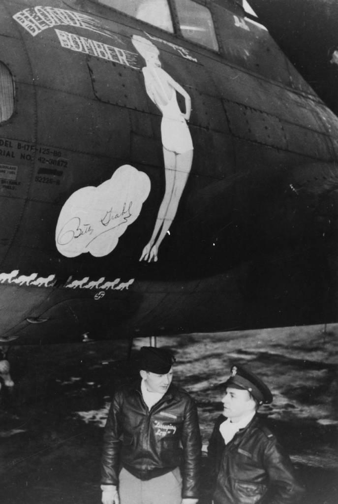 B-17 #42-30872 / Blonde Bomber