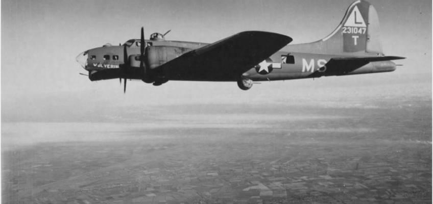 Boeing B-17 #42-31047 / Little Duchess aka Wolverine