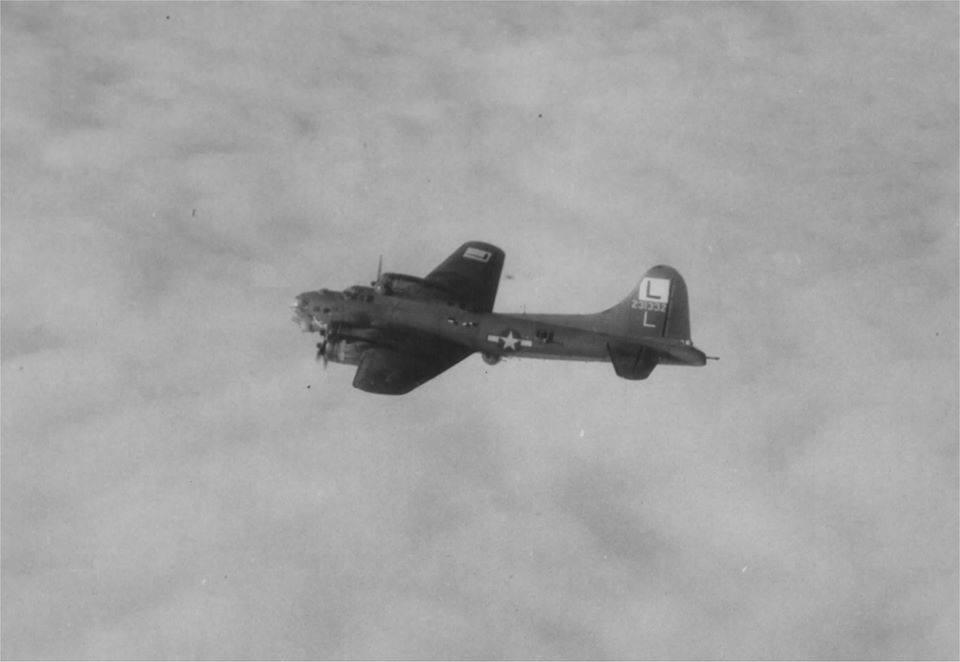 B-17 #42-31332 / Frivolous Sal