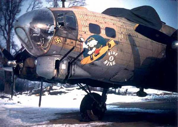 B-17 #42-31909 / Nine-O-Nine