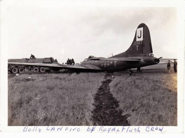 B-17 #42-3327 / Tet T'Mote