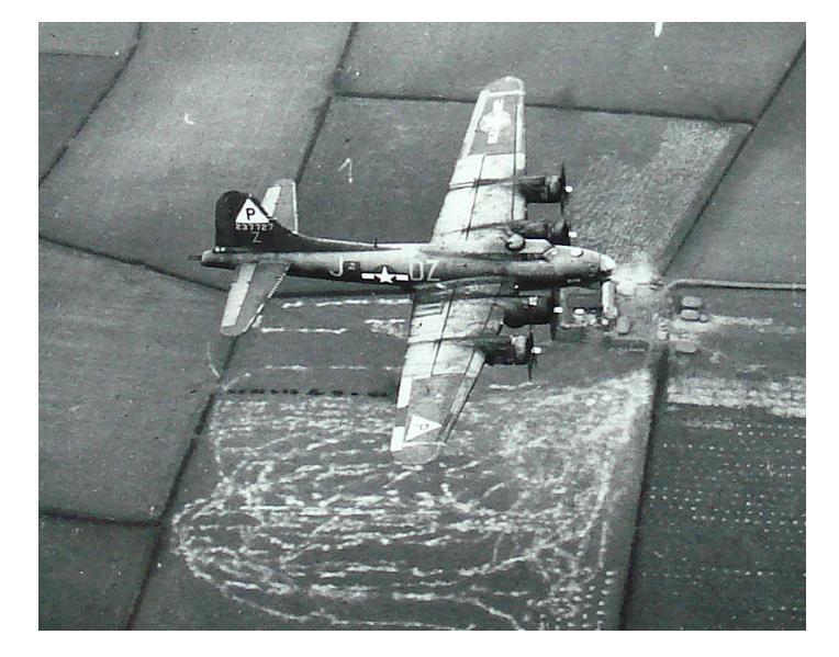 B-17 #42-37727 / Elise