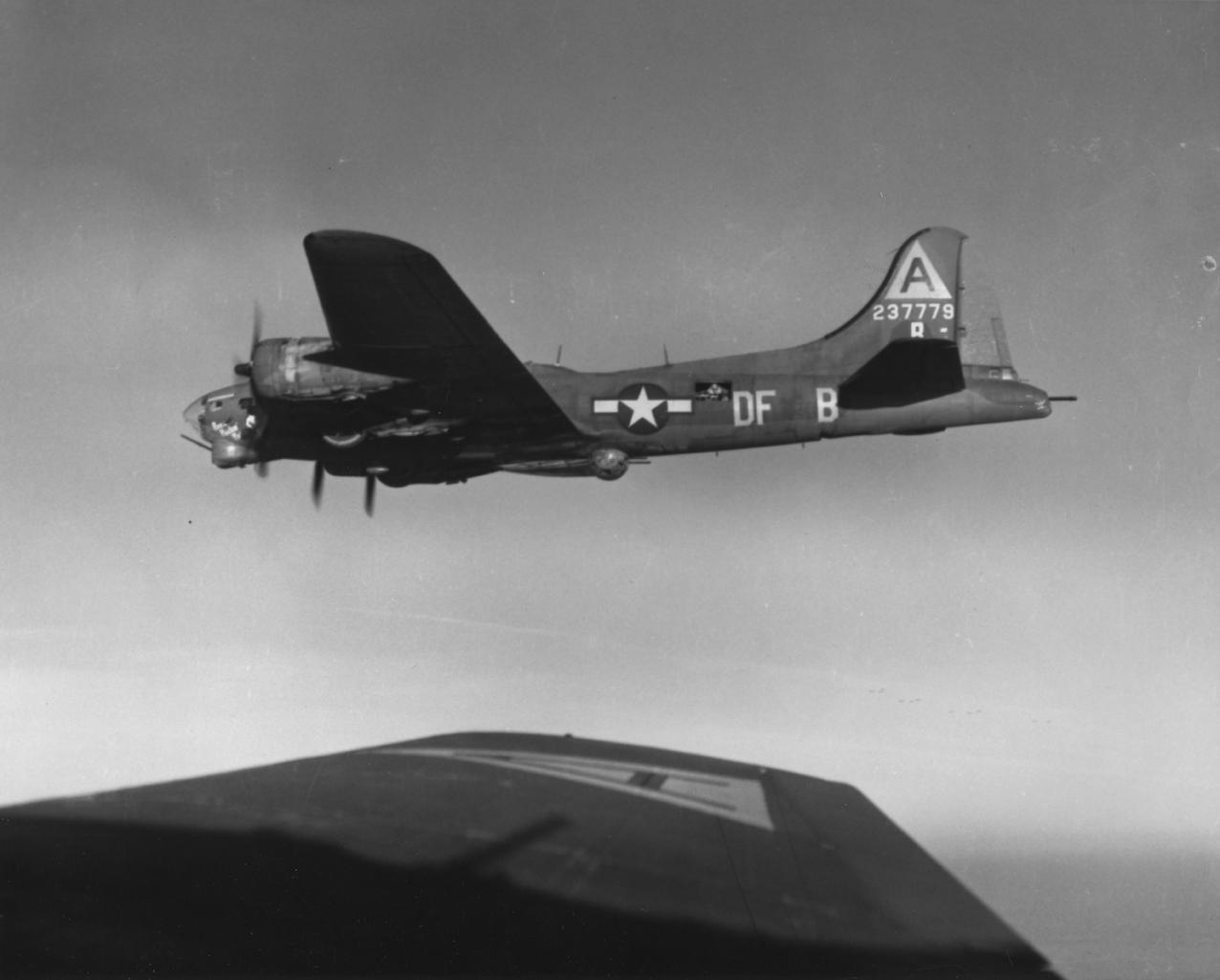 B-17 #42-37779 / Pistol Packin' Mama