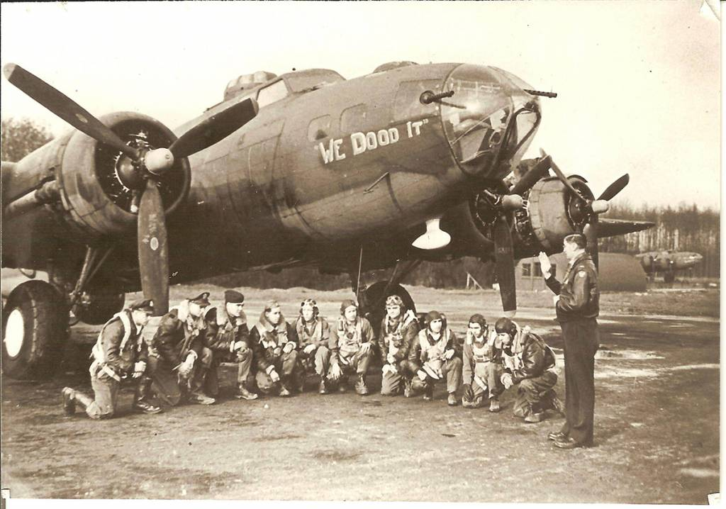 B-17 #42-5444 / We Dood It!